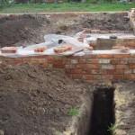 фото - Внешняя (наружная) канализация - монтаж трубопровода, уклон трубопровода, септик или выгребная (сливная) яма