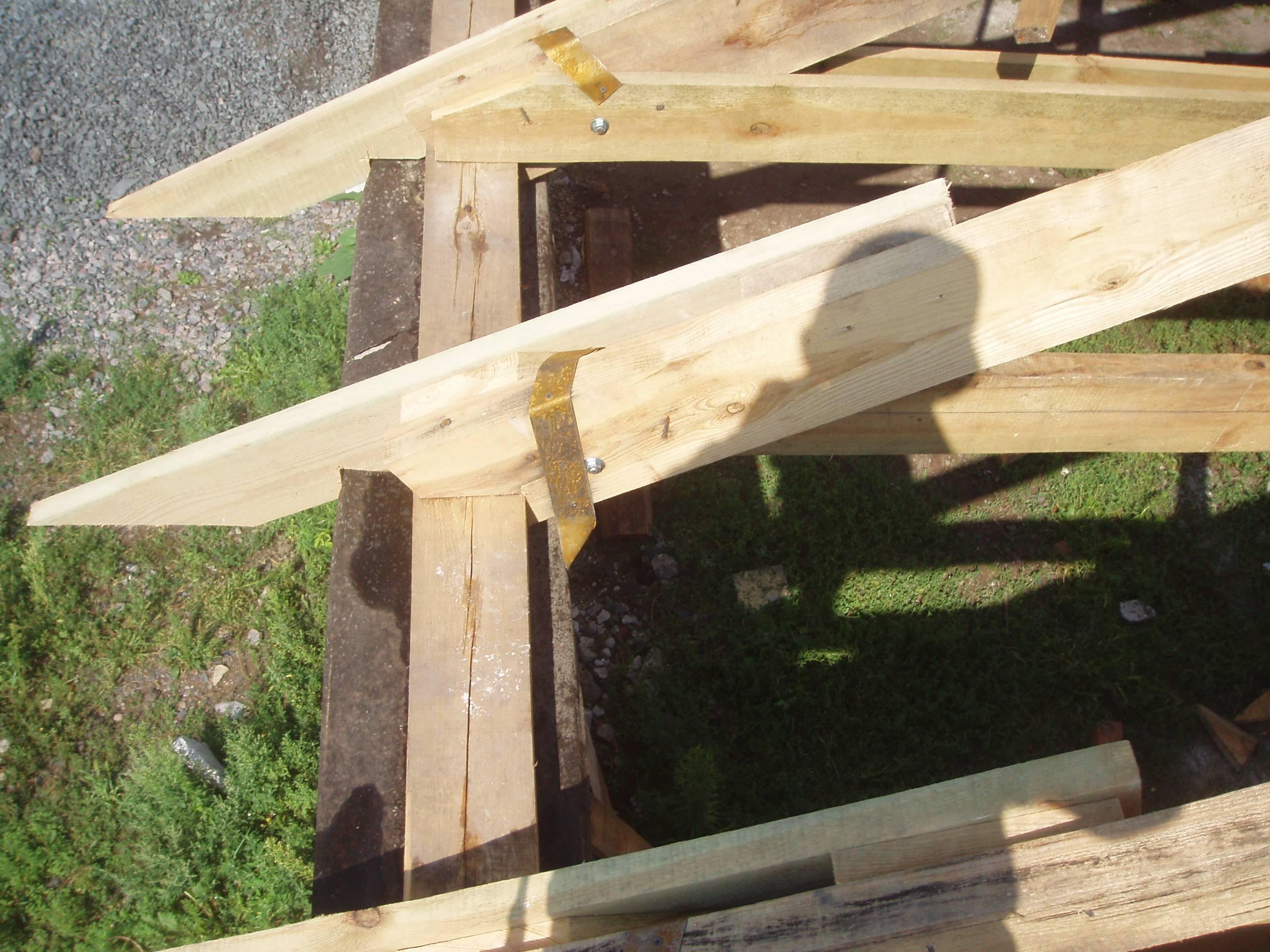 Как поставить крышу дома своими руками 14