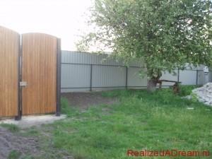 фото - как установить распашные ворота и калитку