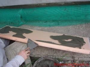 фото - цоколь, сетка для армирования, клей, плита ЭППС - пирог для утепления цоколя